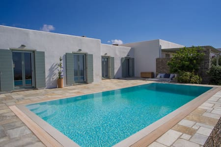 Villa with Private Pool & Great View - Paros