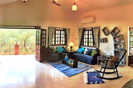 Curly Coelho Cottage |3BD|Cosy retreat by the bay