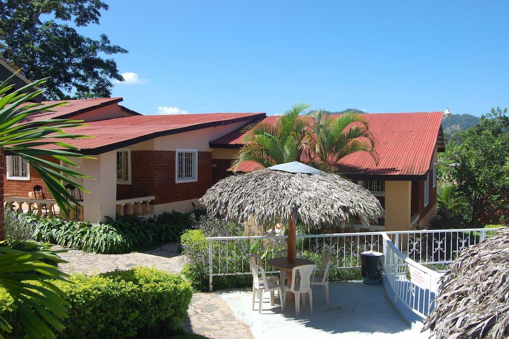2 bedroom villas 9 available villas for rent in for Villas en jarabacoa