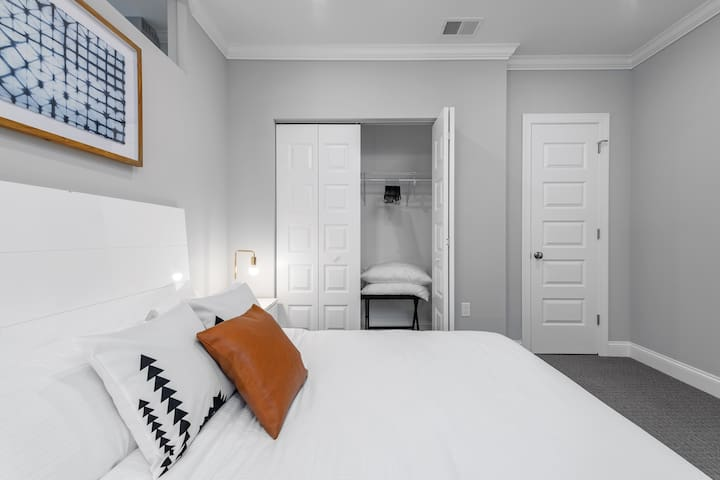 LUXE 1BR| Upscale| Downtown Pittsburgh | by GLS