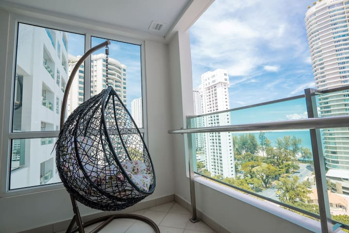 Glorious Seaview Condo@Gurney  6-8pax 海景潮樓