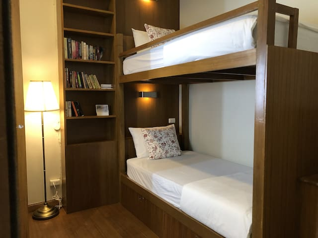 Private Twin Bunk Bed with Bathroom-Khaosan