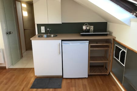 Fully furnished studio close to airport & Brussels