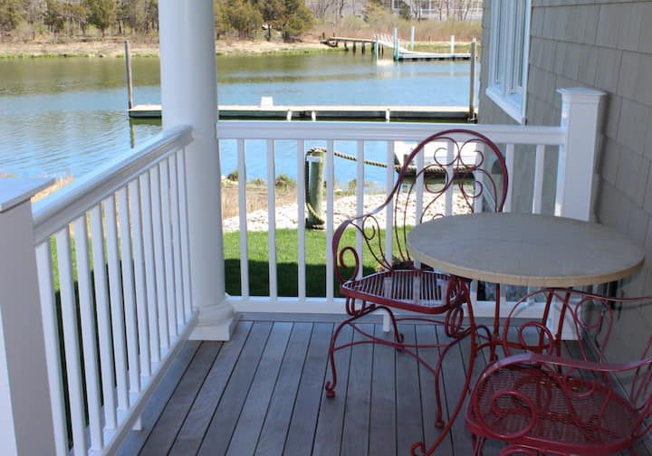 Waterfront Shared Guest House Suite 2