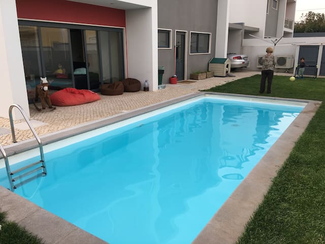 MODERN HOUSE + SWIMMING POOL + AIR CONDITIONING - Sintra - Casa