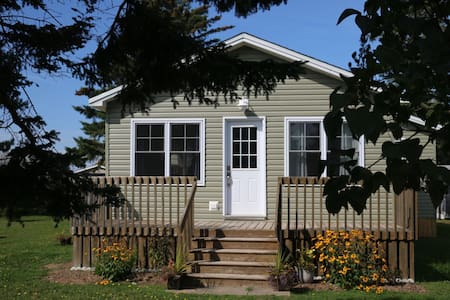 Newly renovated clean, comfortable, cozy cottage.