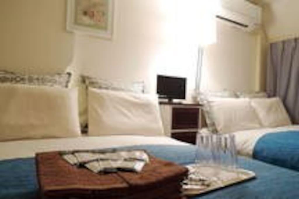 301(ダブルベッド×2、4人収容部屋) https://www.airbnb.jp/rooms/12694065 301 (double bed × 2,4-person capacity room) https://www.airbnb.jp/rooms/12694904 301 (더블 침대 × 2,4 명을 수용 할 방) https://www.airbnb.jp/rooms/12694904 301(大床×2,4人的能力室) https://www.airbnb.jp/rooms/12694904