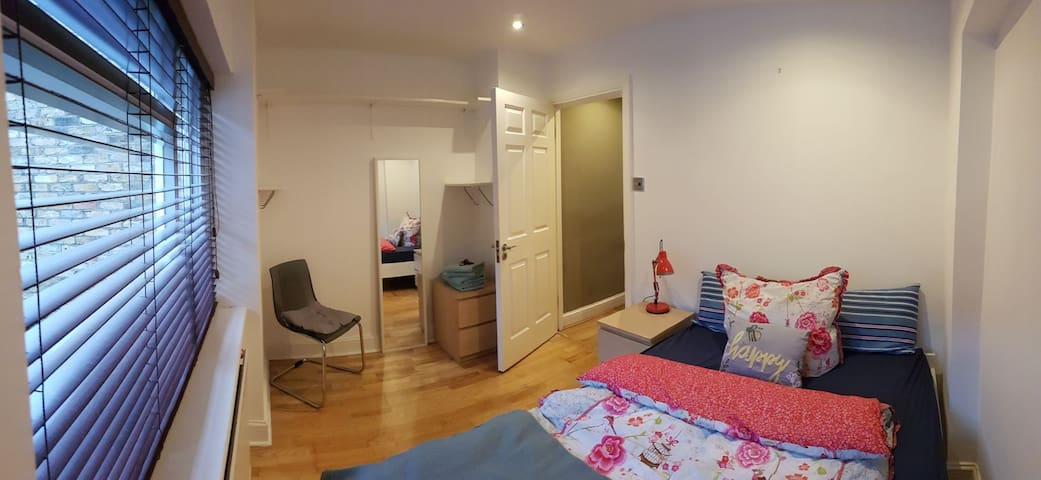 Maida Vale Getaway-Calm Double Room