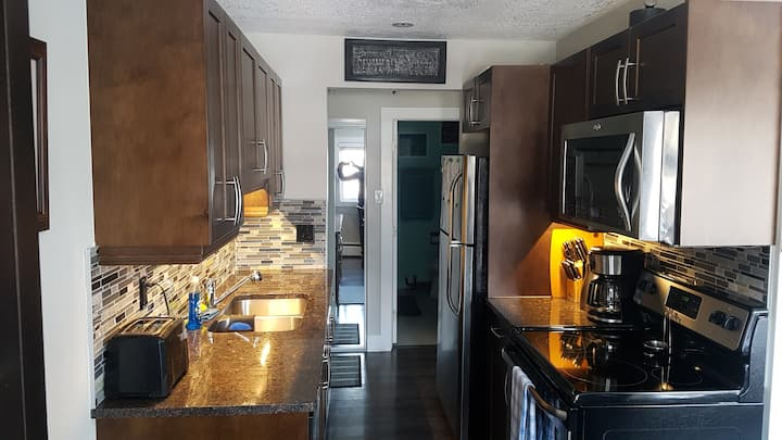 Whyte Ave Area Condo - Clean and Well Appointed!