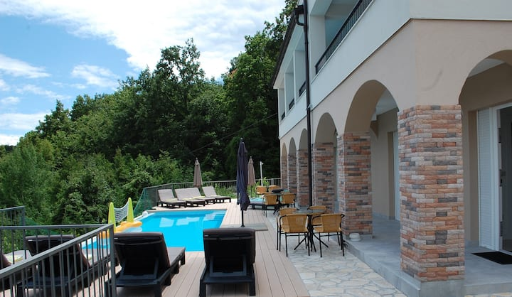 Villa Mariva - POOL Apartment (4 Persons)