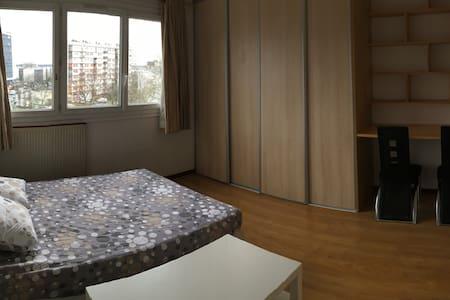 Logement lumineux et confortable à Bagnolet - Bagnolet