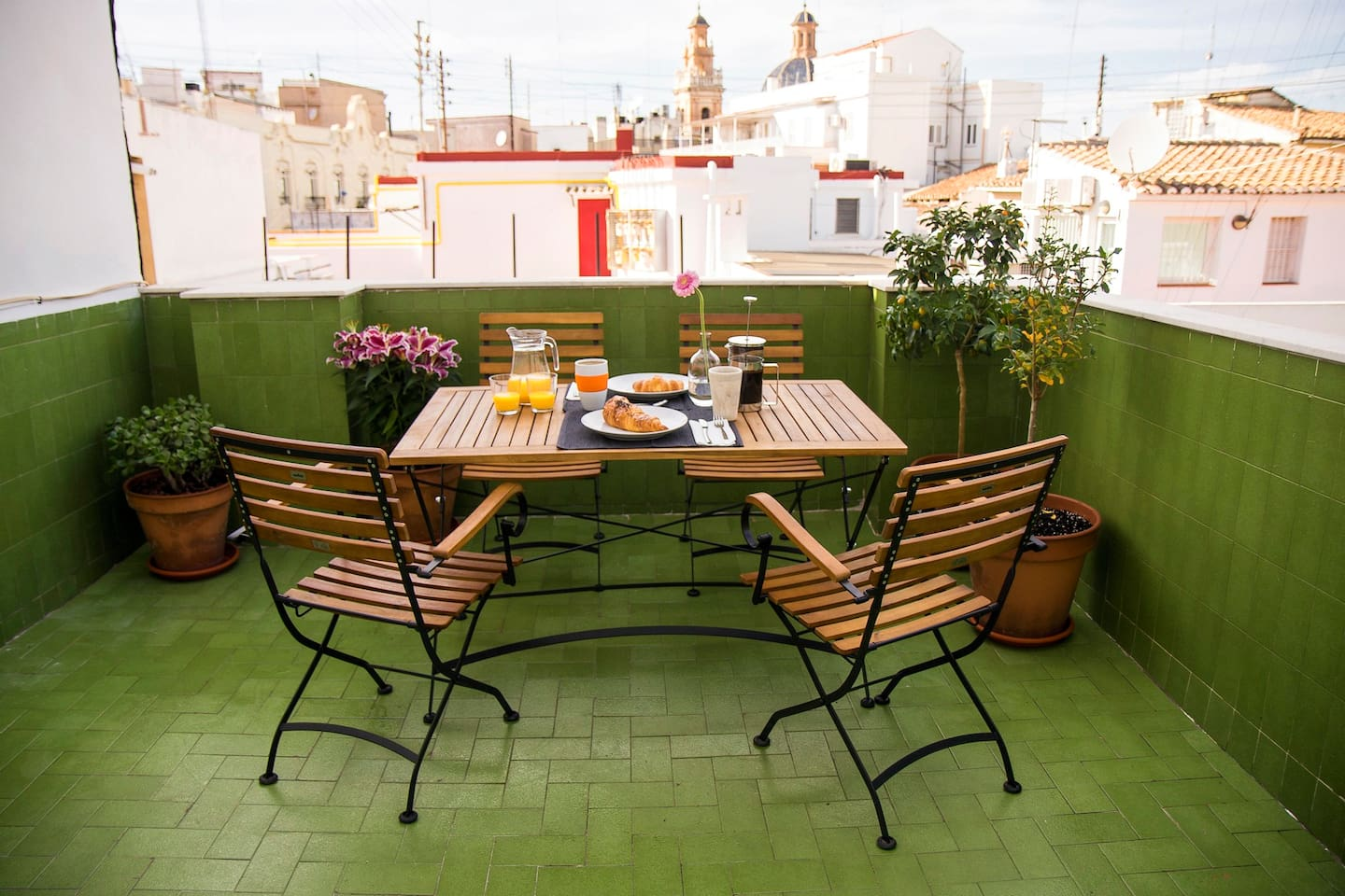 With Valencia's famously sunny weather, you'll be on the terrace a lot!