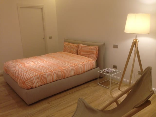 B.NEW STUDIO WITH PRIV.PATIO IN THE HEART OF PADUA - Padova - Lejlighed