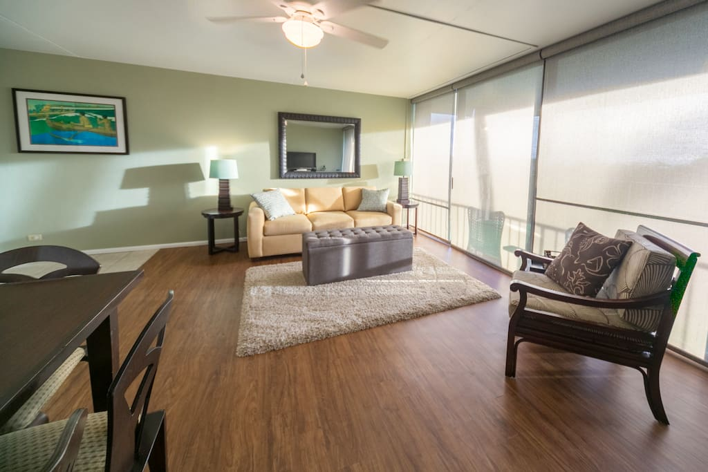 West-facing lanai keeps it sunny and bright