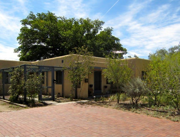 Nicely appointed 2 BR - Albuquerque - Casa