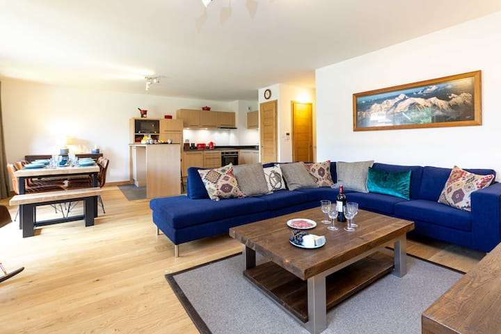 Stay at Coin des Drus Apartment  - excellent host 4.6/5 - flexible cancellation