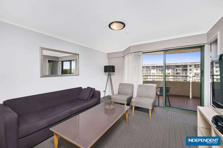 Holiday Apartment - Centre of Canberra City