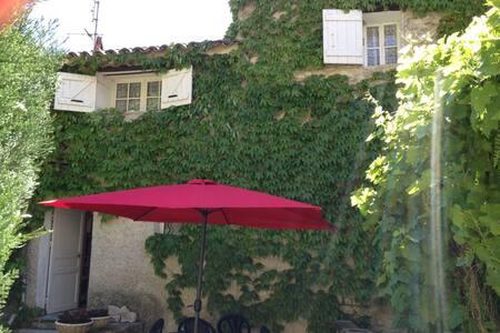 Maison 3 pièces - Centre ville - Vaison-la-Romaine