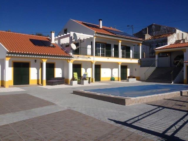 Villa Minnesma (casa grande) - Figueira e Barros