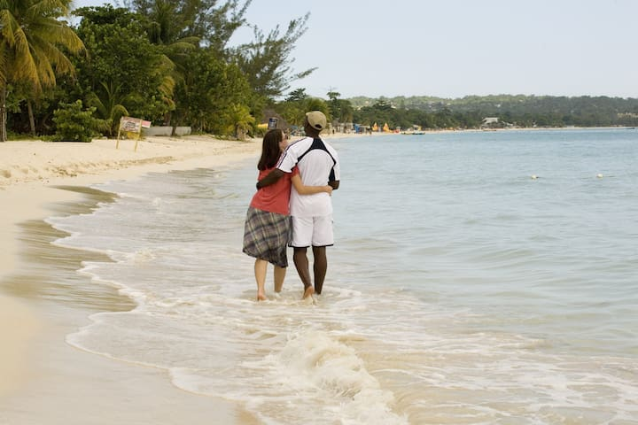 Romantic beaches in Negril. Courtesy of J.T.B.