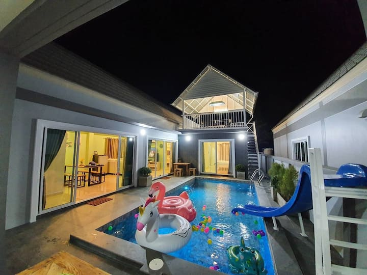 D Day Pool Villa Home