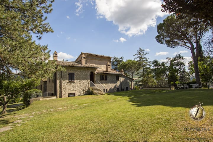 Villa il Saio, near to Assisi, with private pool