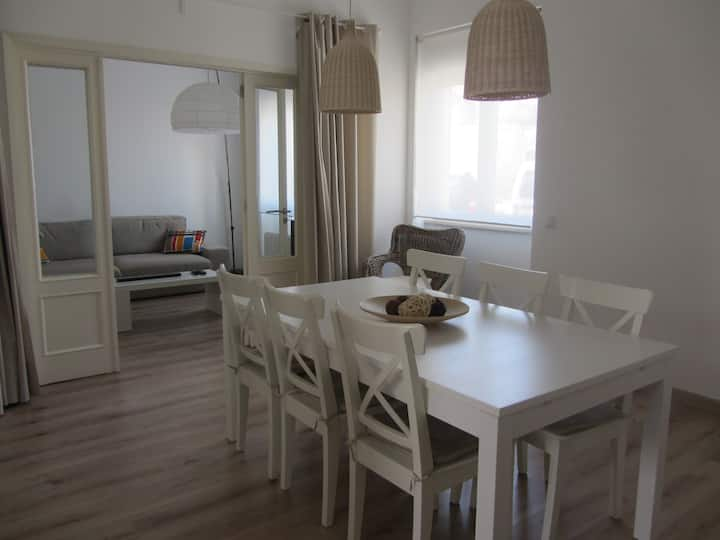 3 bedroom apartment with 2 courtyards