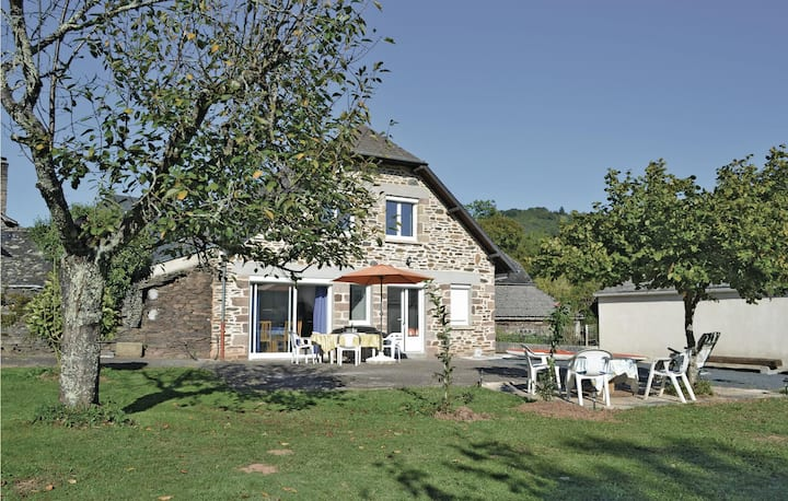 Beautiful home in Voutezac with 3 Bedrooms