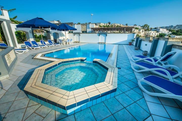 La Mediterranea Villa Apartments Garden Flat