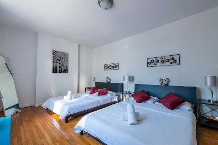 Amazing 3BR 2B Apt in Times Square