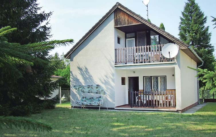 Holiday cottage with 4 bedrooms on 83m² in Balatonmáriafürdö