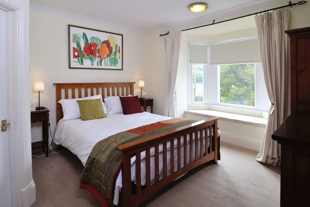 Bed 1 overlooking castle and estuary