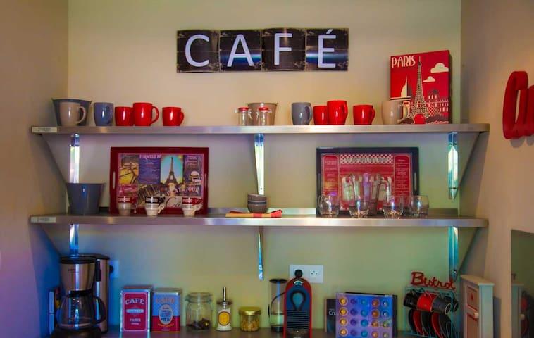 Le Café.
