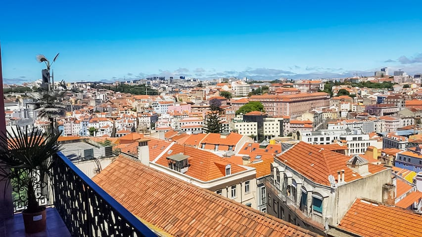 Incredible Lisbon view that will make you fall in love with the city. Enjoy it from your apartment!