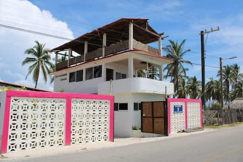 Hostal y club de playa villa isabel