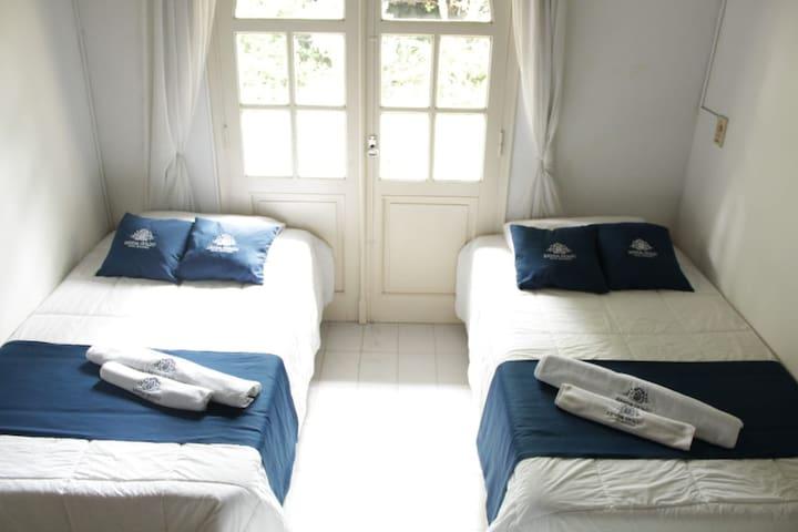 Hotel Renda Guazú- Hab. Doble baño compartido