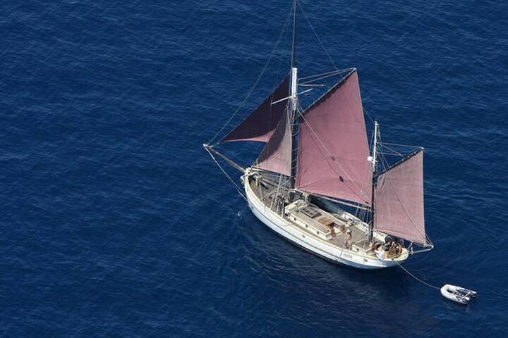 Historic wooden ship apartment