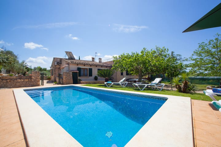 TAPARERA - Beautiful country house with private pool in inland Majorca. Free WiFi