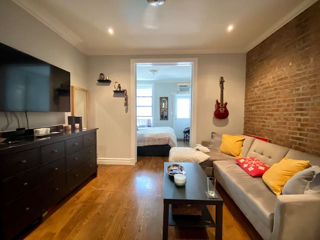 Naturally lit 1BR in Murray Hill