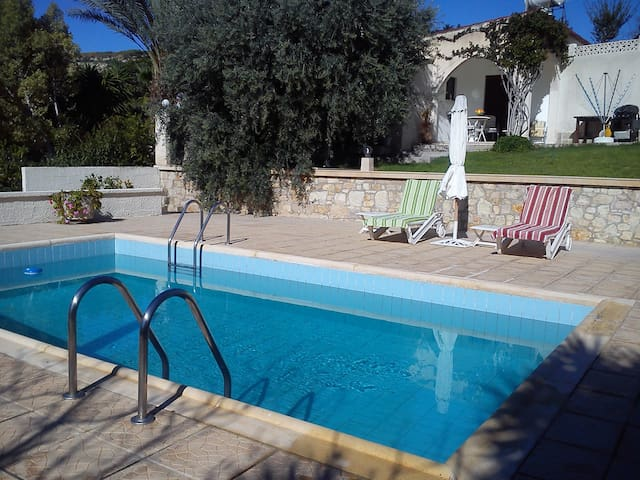 Own private pool! Paphos Cottage for 2 persons