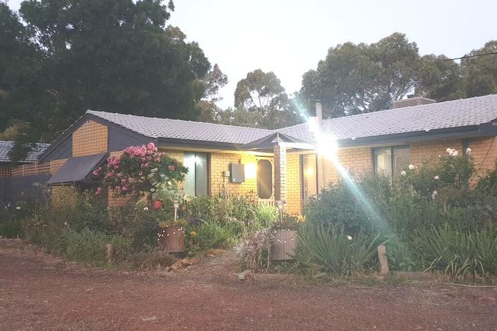 Van Baelen- relaxed rural cottage on 5 acres