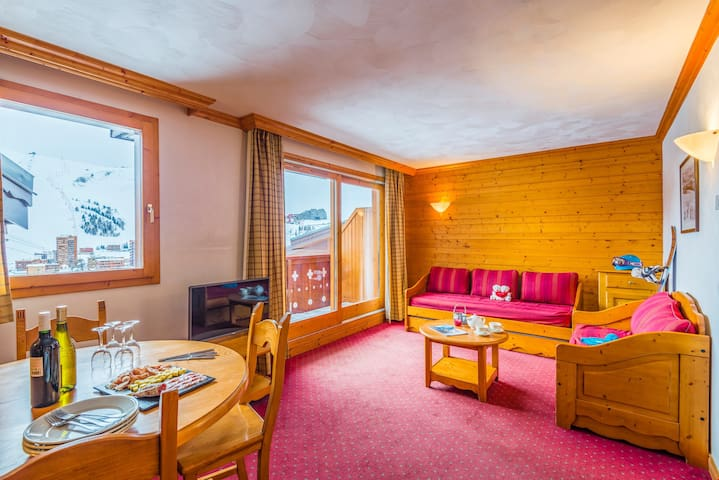 Sit back and relax in the living area after a day on the pistes.