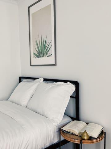 Bedroom 2: Full Bed 1