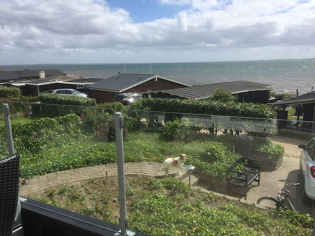 Strandhuset ved havet