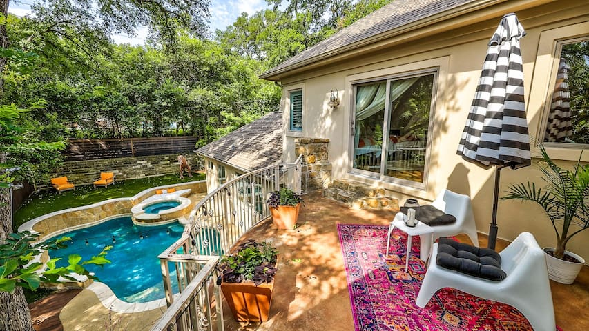 This expansive, resort-style estate is perfect for your next getaway in Austin!