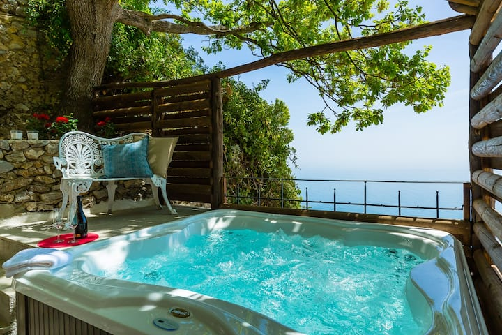 Amalfi Coast villa with sea view heated Jacuzzi