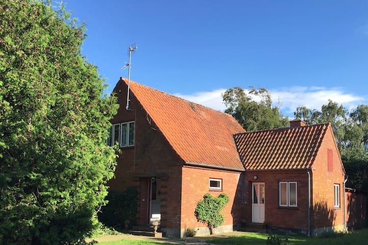 Frugtavlerenshus / Orchard house - Harpelunde - Dům