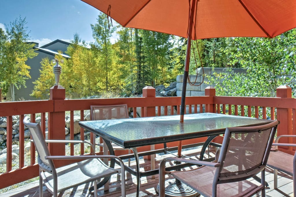 Outdoor adventure awaits for 8 lucky guests in this unit that boasts over 2,000 square feet.