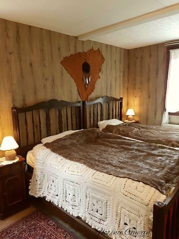 chambre Trappeur 2 lits 120 équipé  PMR, plan incliné