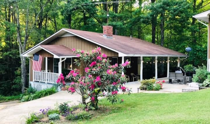 Parrish Retreat @ Linville Falls Cottage Rentals 3